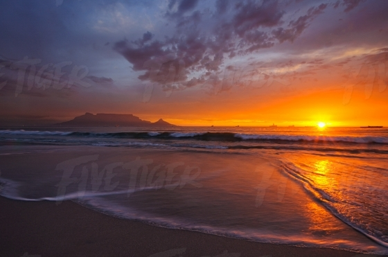 Beautiful South African sunset with Table Mountain