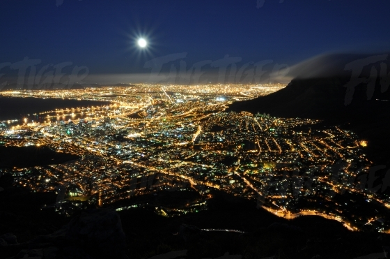 Full moon over the Cape Town City