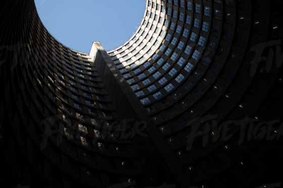 Inside Ponte