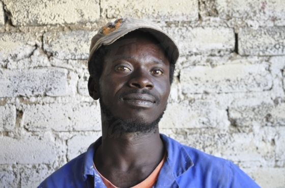 Young black man waering a cap